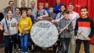 Harmonie Sinte Cecilia krijgt grote trom cadeau van sponsors