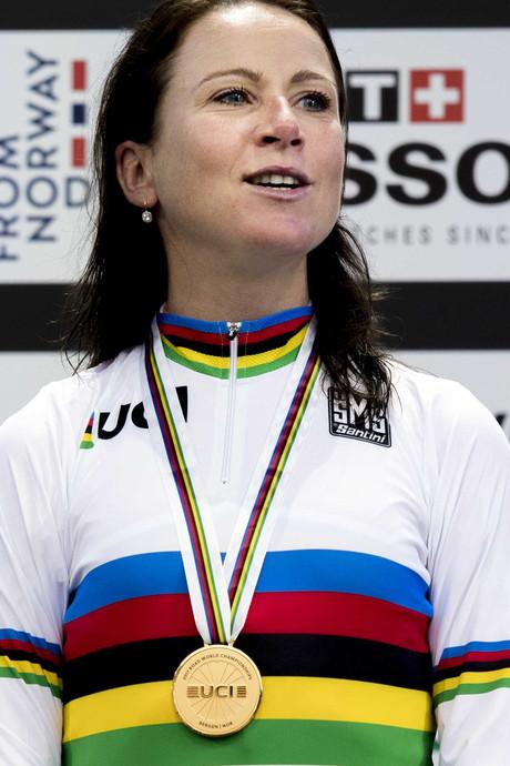 Annemiek van Vleuten wereldkampioen tijdrijden