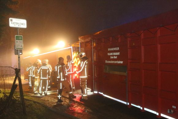 Er brak brand uit op een boerderij in de Kastanjeweg.