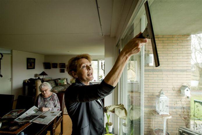 Oisterwijk wil Wmo-aanvragen, zoals voor huishoudelijke hulp, weer inkomensafhankelijk maken.