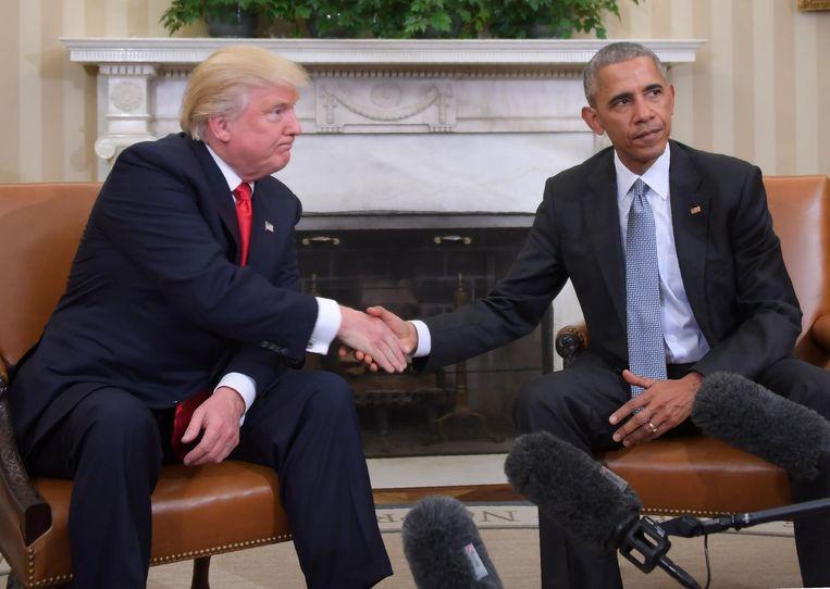 Trump en Obama tijdens hun ontmoeting in het Oval Office op 10 november.
