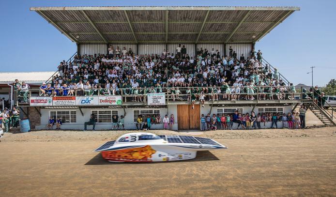 Nuon Solar Team op de vierde dag van de SASOL Solar Challenge.