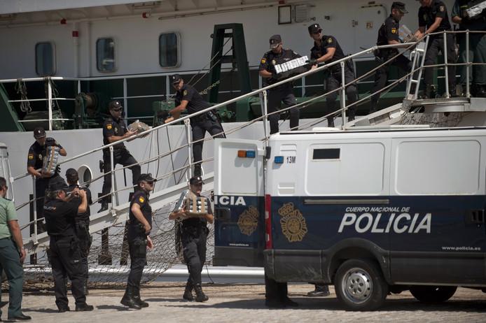 De politie in Spanje tijdens een eerdere drugsoperatie, foto ter illustratie