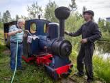 Pavel (62) bouwde spoorlijn met stoomlocomotief in zijn achtertuin
