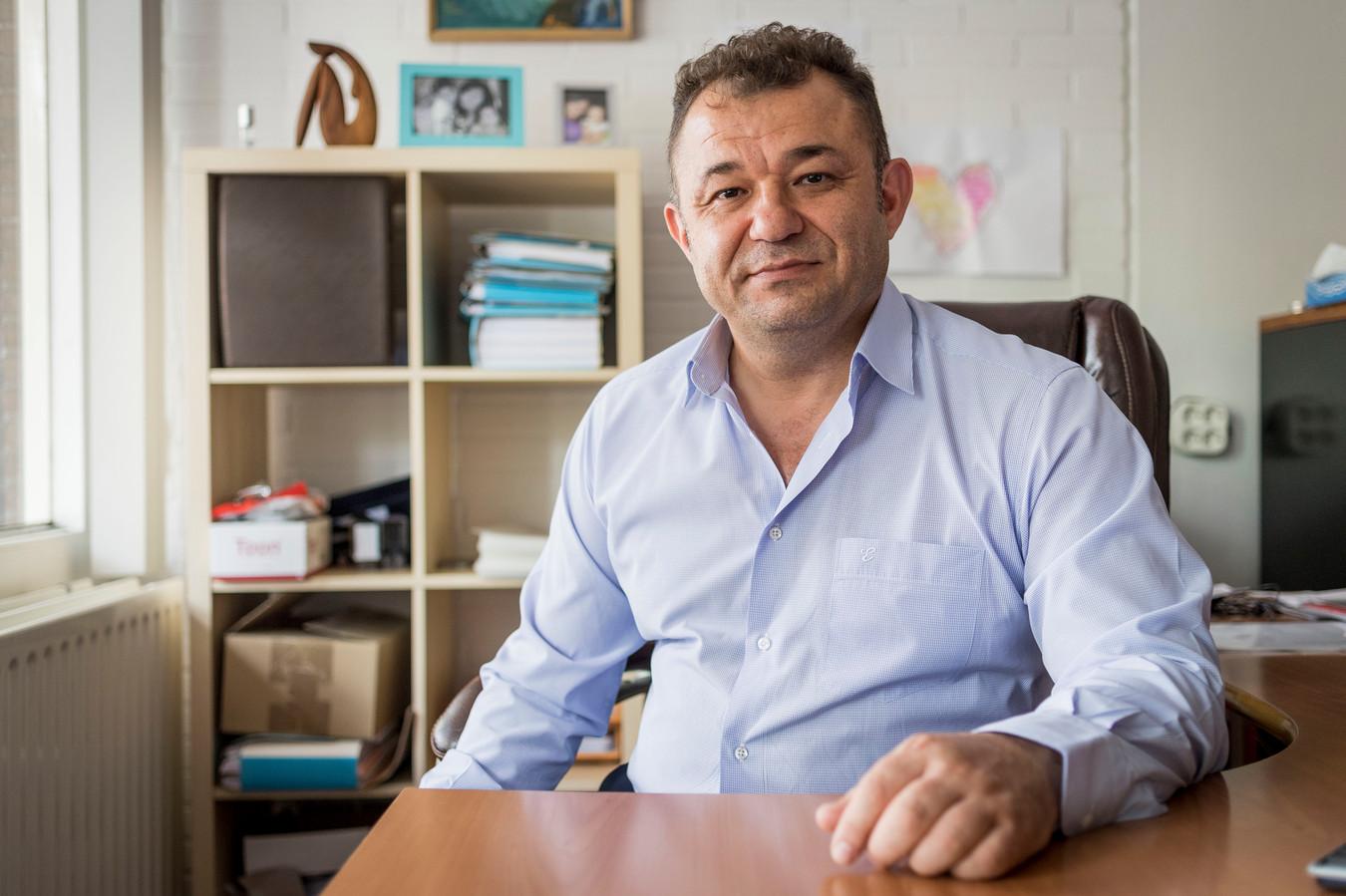 Almelose advocaat Ibrahim Mercanoglu is gespecialiseerd in gezinszaken.