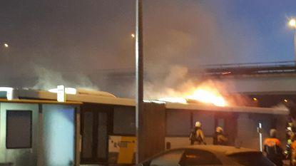 Bus van De Lijn gaat in vlammen op