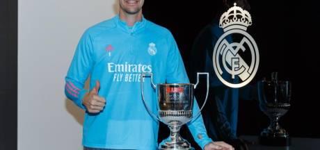 Thibaut Courtois obtient son troisième trophée de meilleur gardien d'Espagne