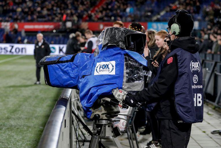 Een camera van betaalzender Fox Sports tijdens de wedstrijd Feyenoord - Willem II. Beeld BSR Agency