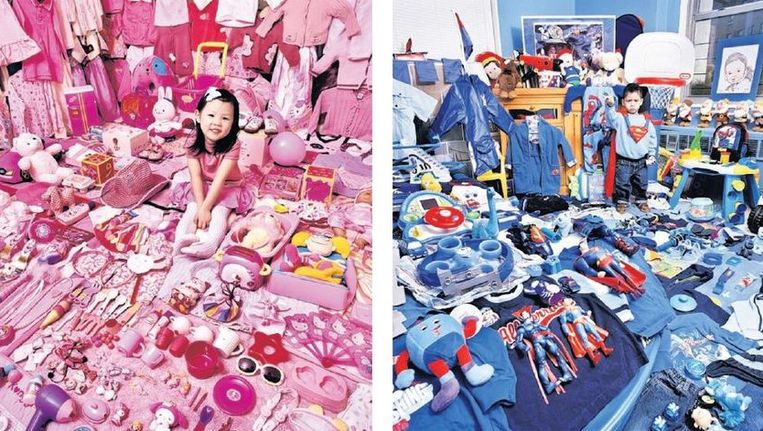 null Beeld Voor haar ¿Pink and Blue Project¿ fotografeerde de Koreaanse kunstenares JeongMee Yoon meisjes met al hun roze spullen en jongens met hun blauwe.