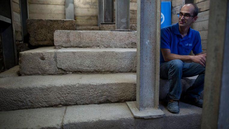 """Joe Uziel, verantwoordelijk voor de opgraving, noemt de structuur """"enigmatisch"""" gezien tot op heden niets soortgelijk is aangetroffen binnen of buiten Jeruzalem."""