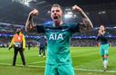 Toby Alderweireld juicht nadat Spurs ten koste van City door is naar de halve finale van de Champions League.