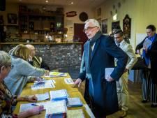 Van Rey maakt stampij in Roermonds stemkantoor