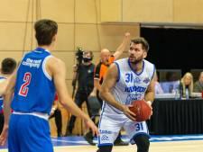 Basketballer Rados kan bij Landstede alleen trainen, bij Oostenrijk mag hij ook spelen