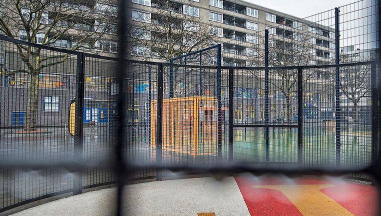 Het Afrikaanderplein in Rotterdam. Beeld Guus Dubbelman / de Volkskrant