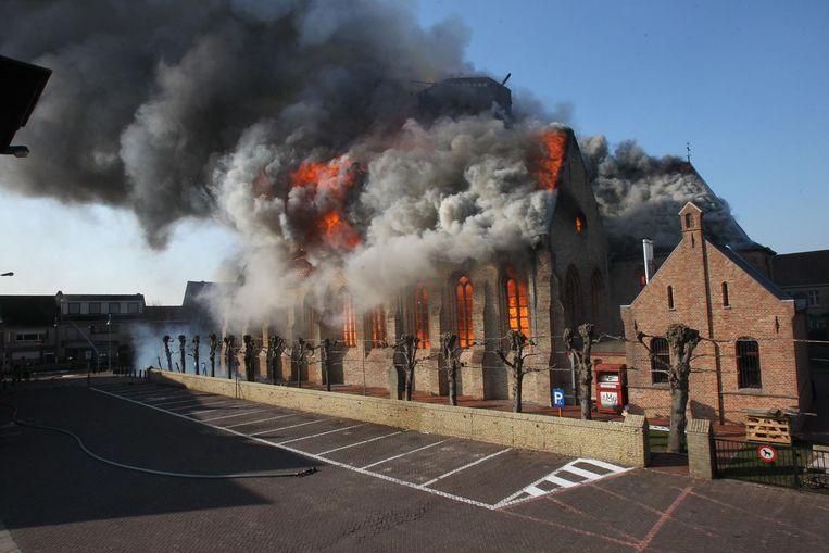Op 26 maart 2013 werd de kerk verwoest bij een brand.