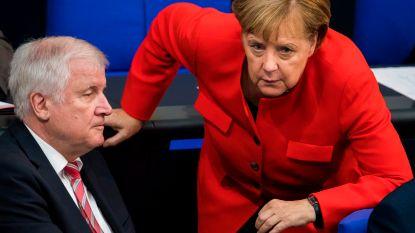 Topoverleg omtrent hoofd van Duitse binnenlandse veiligheidsdienst na zijn omstreden uitspraken over xenofobe incidenten in Chemnitz