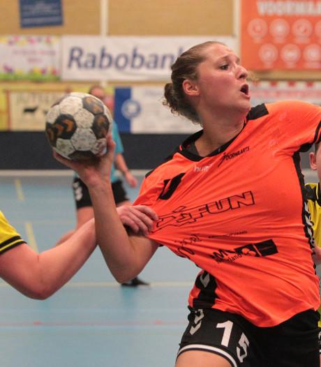 Euforie bij handbalsters Voorwaarts na eerste zege