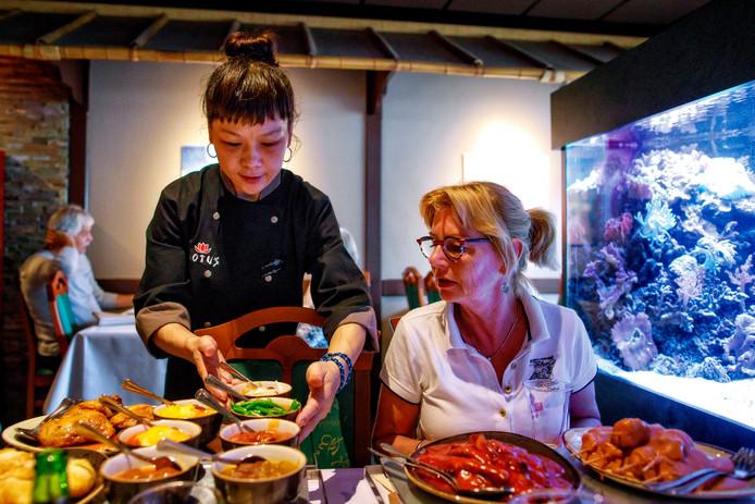 Bij restaurant Lotus in Vlijmen zijn de borden altijd goed gevuld.