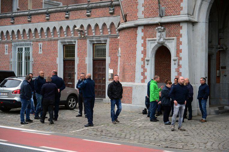 De Waalse cipiers aan Leuven-Centraal.
