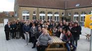 Vrije basisschool Beerst showt nieuwe speelplaats aan oud-leerlingen