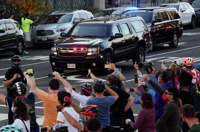 De wagens van de president werden niet hartelijk onthaald in Washington DC.