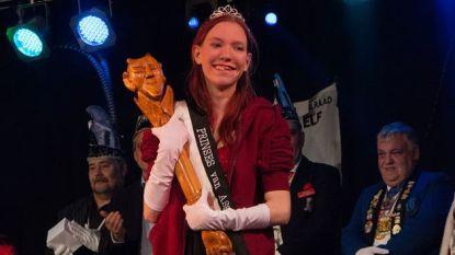 Sara (20) is nieuwe Prinses Carnaval Asse