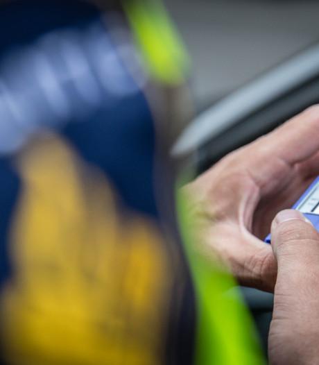 Na de 'drankrijder' pakt de politie nu steeds vaker de 'drugsrijder', vooral in Oost-Nederland