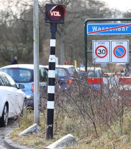 Politie vraagt mensen niet meer naar Meijendel te komen: 'Parkeerplaats vol'
