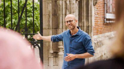"""Staf Coppens presenteert voor de 7e keer 'Rijker Dan Je Denkt': """"Maar dat ene waardevolle stuk kopen, dat lukt me nog niet"""""""