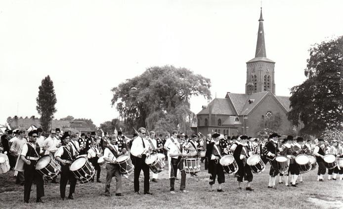 22 juni 1970: het gilde Sint Willibrordus in Wintelre viert het 650-jarig bestaan.