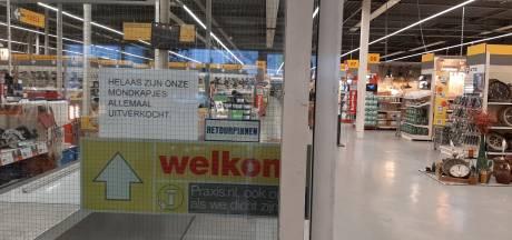 Mondkapjes niet om aan te slepen bij drogisten en bouwmarkten in Eindhoven