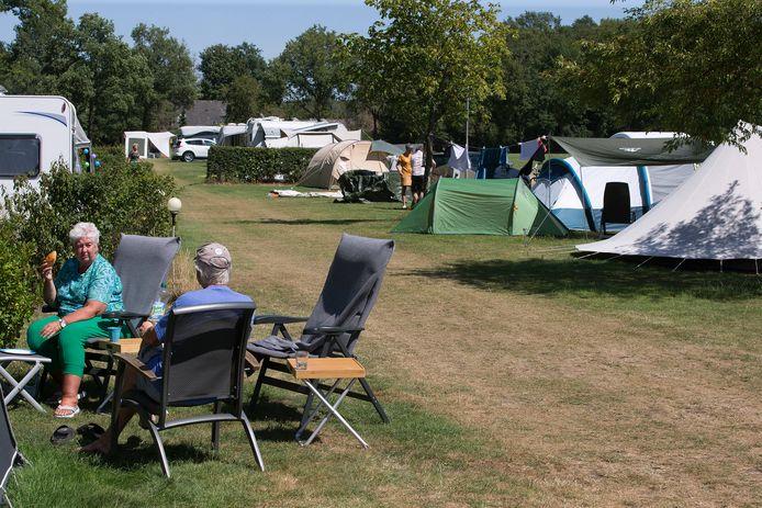 Nederlanders blijven deze zomer liever in eigen land.