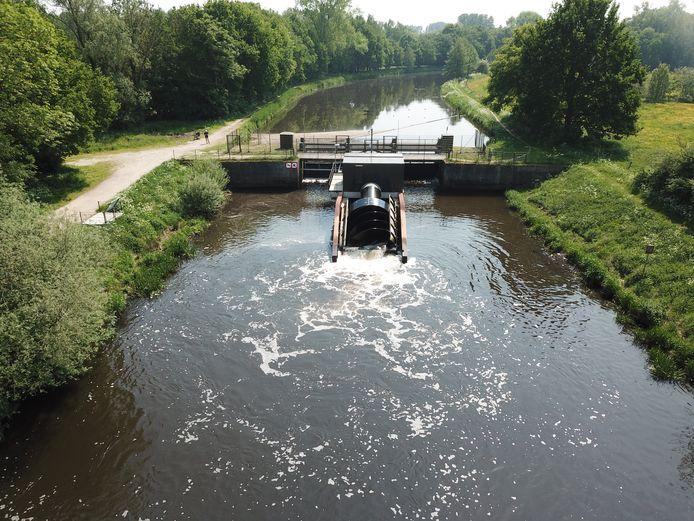 Voorbeeld van een kleinschalige waterkrachtcentrale in de Dommelstroom bij Sint-Michielsgestel.