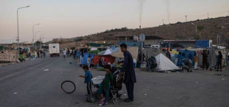 Gemist? Studenten bouwen vluchtelingenkamp na en voetbalspelers redden ouderen