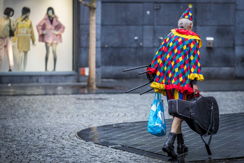 Een feestvierder in Maastricht.