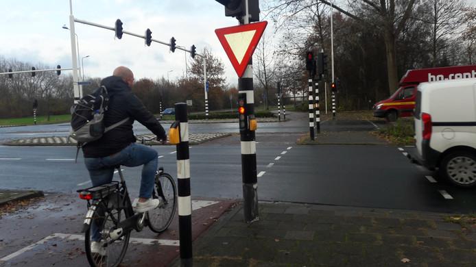 De kruising Harendonkweg-Bruistensingel waar Indy Verhallen werd geschept door een auto die werd bestuurd door een Bosschenaar.