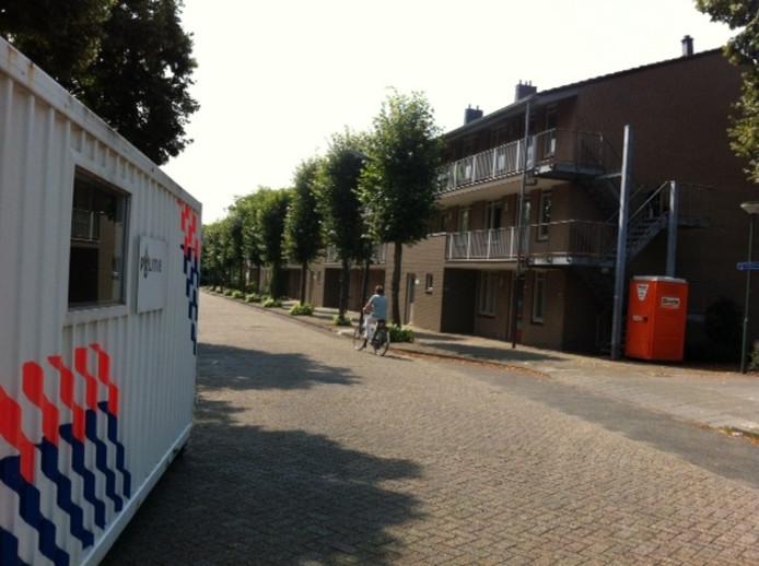 Deze politie-container aan de Mozartstraat is woensdagochtend opgehaald.