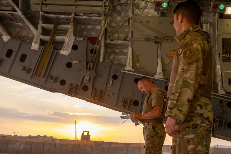Kobani, 25 oktober. Amerikaanse troepen tijdens het vertrek uit Noord-Syrië. Beeld AP
