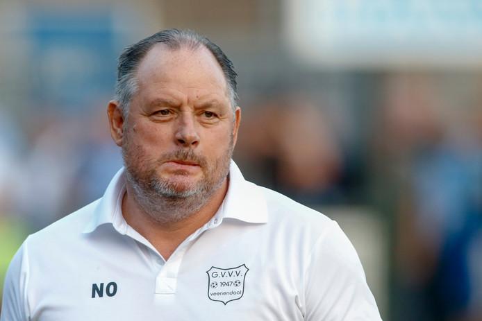 Niek Oosterlee heeft zijn ploeg in het nieuwe seizoen nog niet aan de praat gekregen.