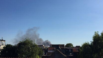 Woonwagens zigeunerkamp gaan in vlammen op in Anderlecht