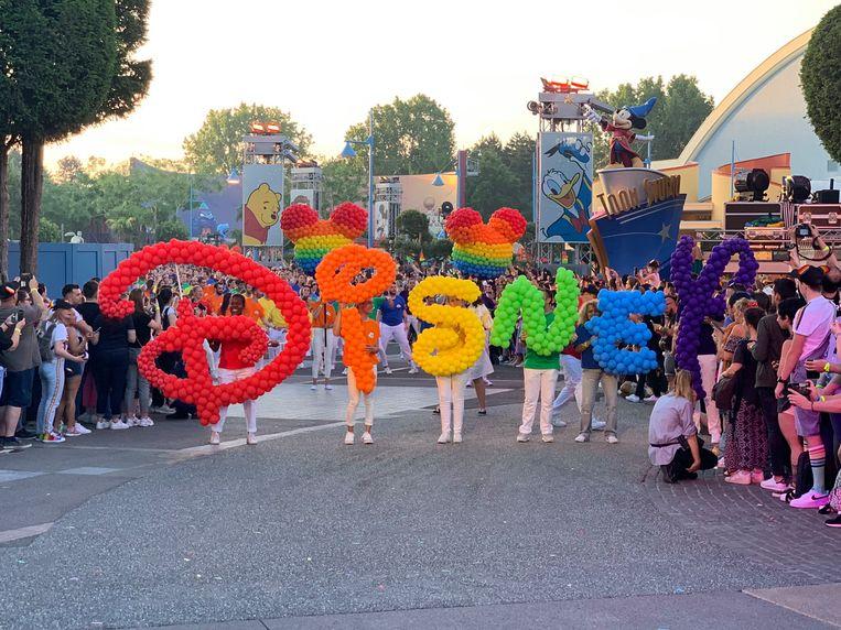 Met de allereerste Gay Pride, en een grote feestavond wil Disney zich expliciet solidair verklaren aan diversiteit in het algemeen en de de lhbt-gemeenschap in het bijzonder.