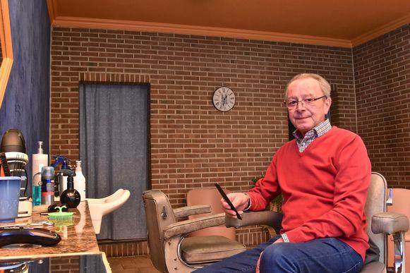 Kapper Dirk na halve eeuw met pensioen