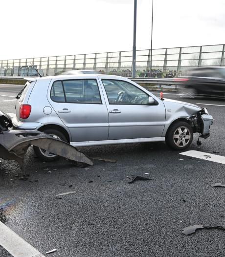 Ongeluk met twee auto's bij knooppunt Princeville: A16 weer vrij