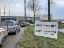 Lange files voor brengstation in Ede, rust in Veenendaal