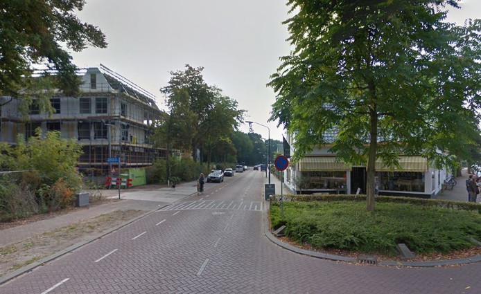 Bewoners Vlasmeersestraat Vught boos over inleveren parkeerplaatsen.