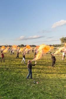 Wereldrecordpoging vuurspuwen in Ommen niet gelukt