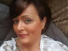 Tóch 'verminkt genoeg': Mirelle (46) krijgt nieuwe borsten alsnog vergoed