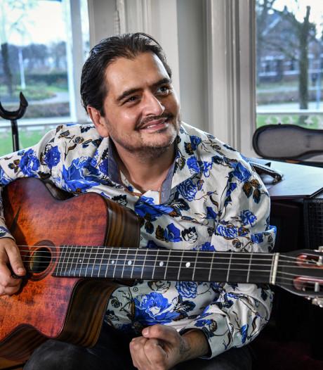 Wondergitarist Jimmy Rosenberg uit Helmond herrijst uit zijn as en treedt weer op