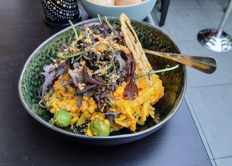 Aardappelsalade met kip, spek en sinaasappelvinaigrette