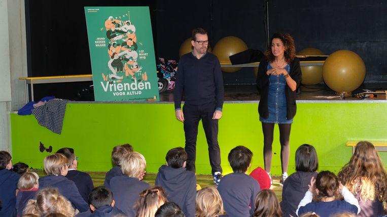 Bart Moeyaert en Tatyana Beloy kwamen de Jeugdboekenmaand aftrappen